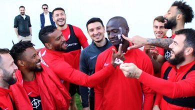 Antalyaspor'da Ndinga'ya doğum günü sürprizi