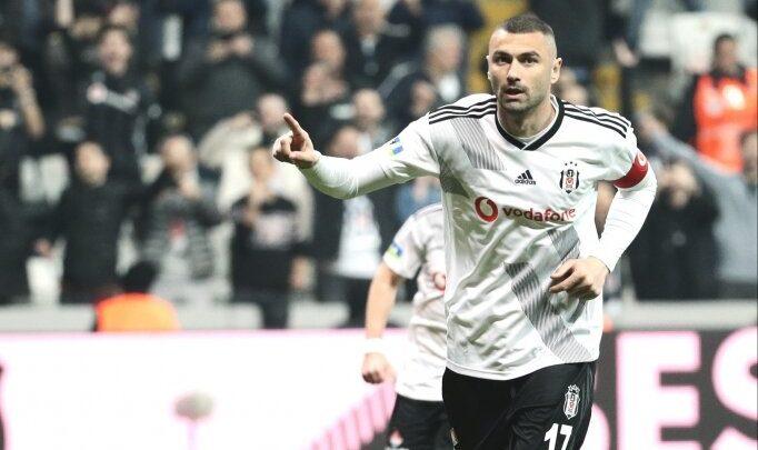 Burak Yılmaz eski takımı Galatasaray'a aleyhinde gol gerisinde