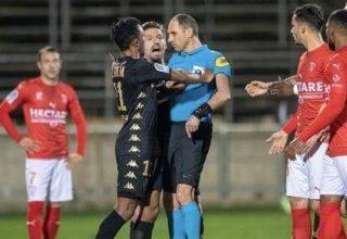 Fransa'da hakemi iten futbolcuya 6 ay men cezası