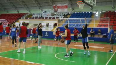 İzmit Belediyespor Kadın Basketbol Takımı, gözünü play-offa