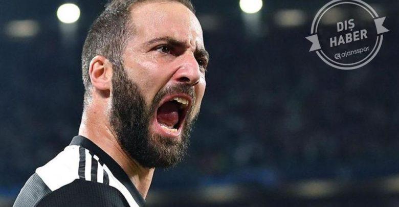 Juventuslu oyuncular Turin'i terk etti