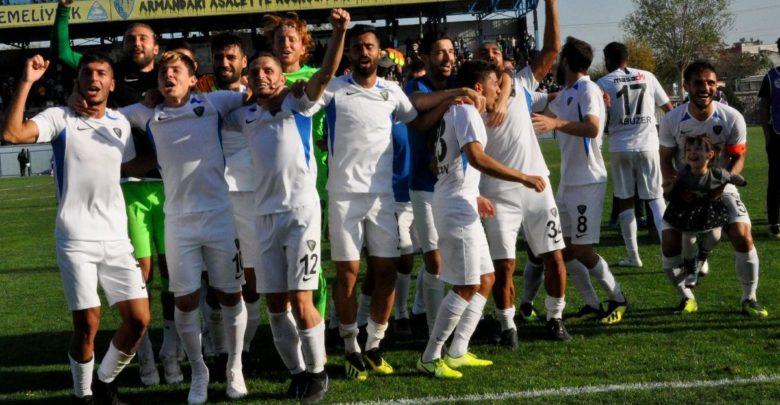 Karacabey Belediyespor 6 hafta kala 2. Lig 'i garantiledi