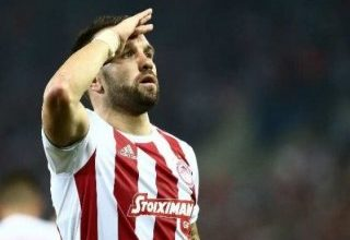 Mathieu Valbuena anlaşma tazeledi