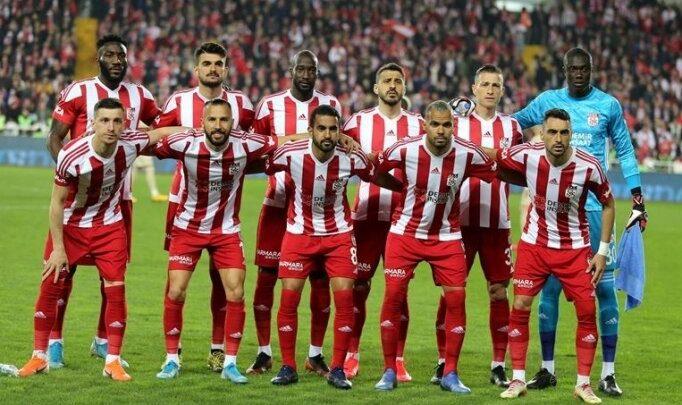 """Sivasspor'dan """"evde kal"""" çağrısı"""