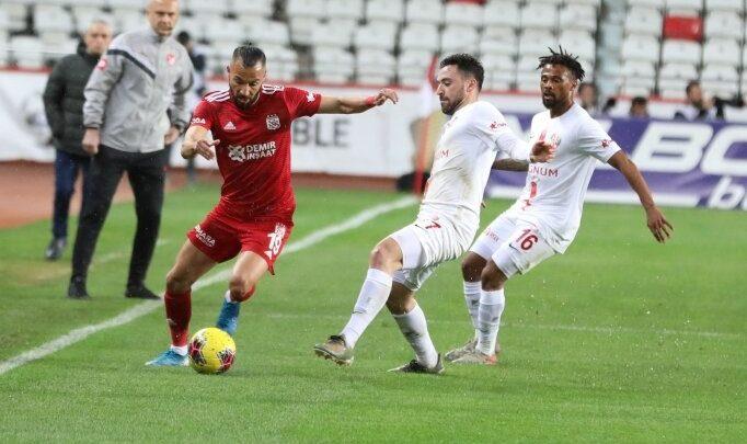 Veysel Sarı attı, Sivasspor bere aldı