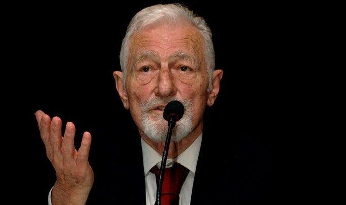Beşiktaş'ta merhum onursal başkan Süleyman Seba, doğum gününde anıldı