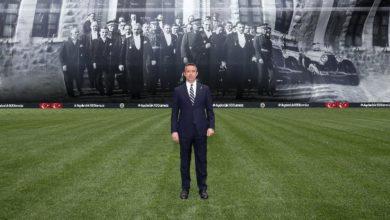 Fenerbahçe stadına 100 yıllık resim asıldı! Ali Koç 'tan duygusal hitabe