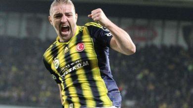 Fenerbahçe taraftarı Caner Erkin için ikiye bölündü