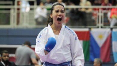 Milli karateci Meltem Hocaoğlu Akyol temizleme yaparak formda kalıyor